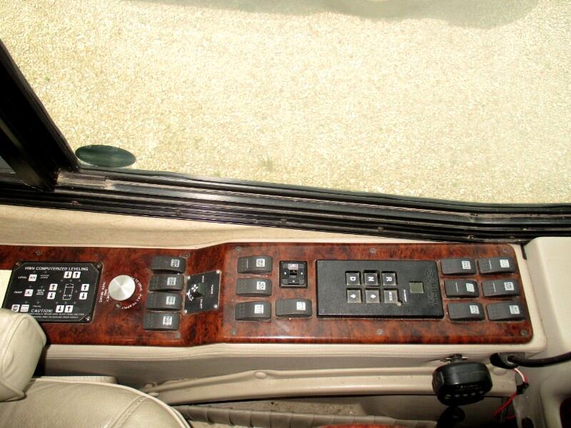 2003 Monaco Signature Series Supreme 525