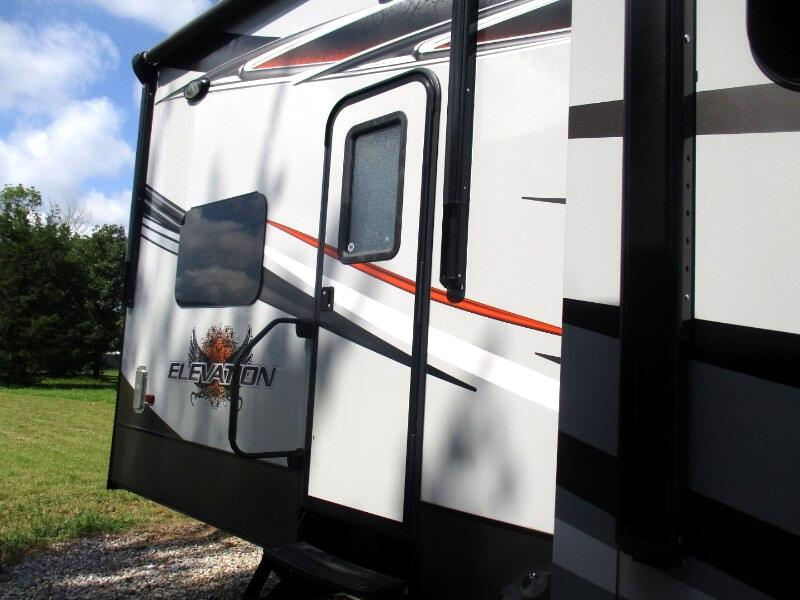 2015 CrossRoads RV Elevation
