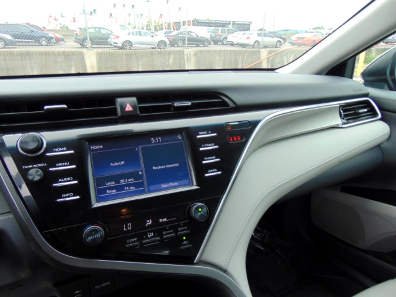 2018 Toyota Camry SE Auto (Natl)