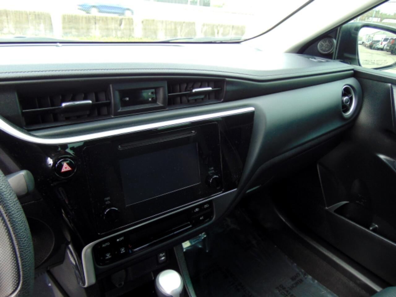 2019 Toyota Corolla SE CVT (Natl)