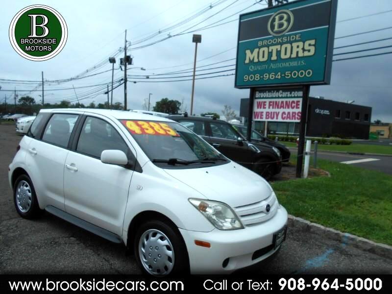 Scion xA Hatchback 2004
