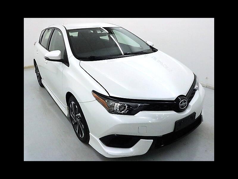 2016 Toyota iM CVT
