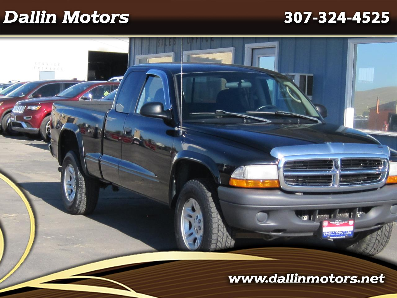"2004 Dodge Dakota 2dr Club Cab 131"" WB 4WD Base"