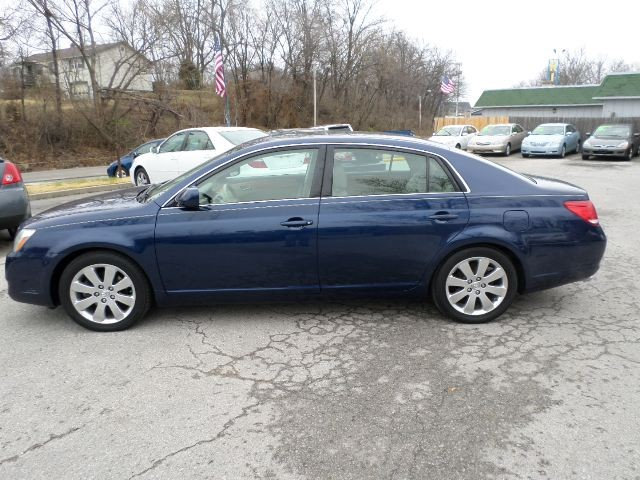 2005 Toyota Avalon 4dr Sdn XLS w/Bucket Seats