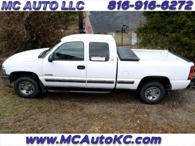 1999 Chevrolet Silverado 2500 Ext. Cab Short Bed 2WD
