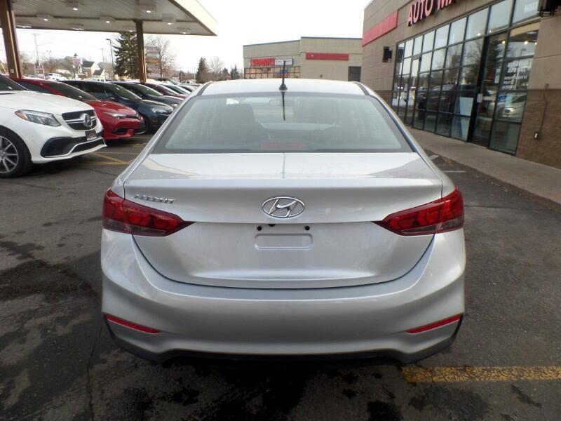 2019 Hyundai Accent SEL 4-Door 6A