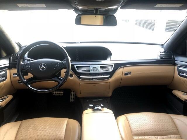 Mercedes-Benz S-Class  2010