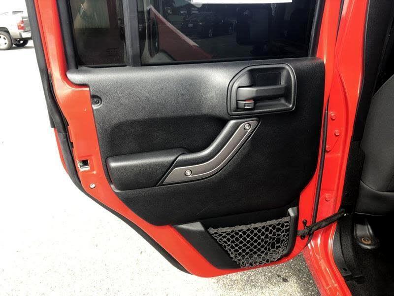 Jeep Wrangler Unlimited Sport 4WD 2011