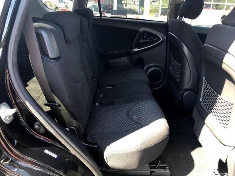 Toyota RAV4 Sport I4 4WD 2007