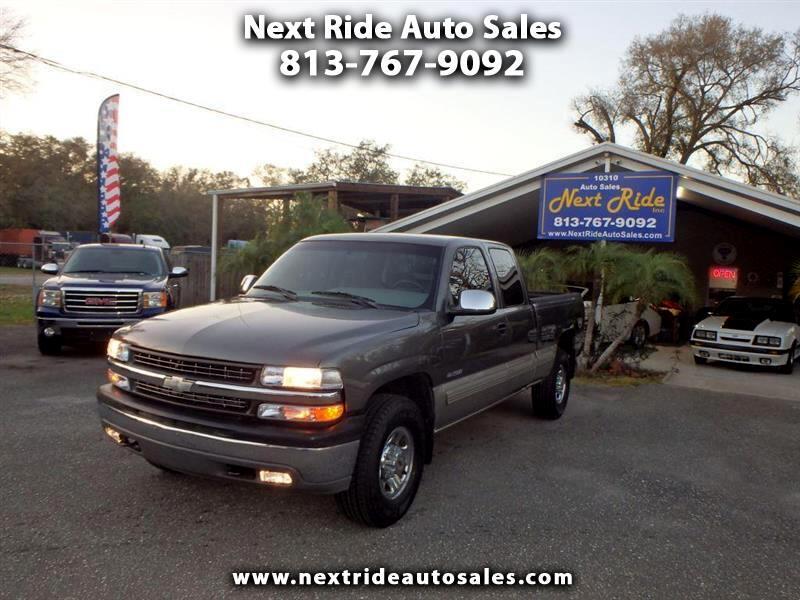 2000 Chevrolet Silverado 2500 Ext. Cab 3-Door Long Bed 2WD