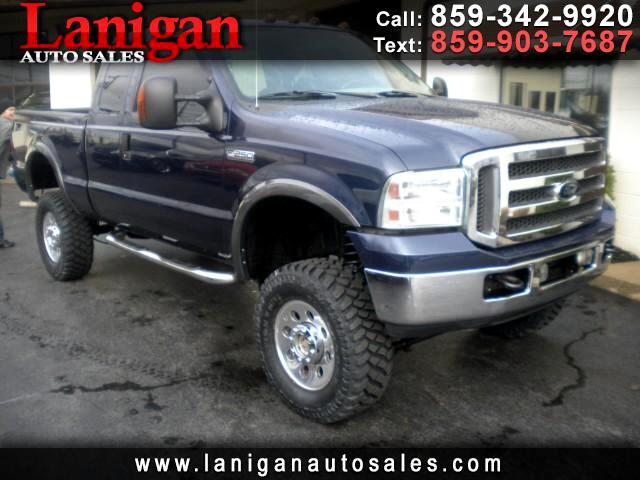 2005 Ford F-250 SD XLT SuperCab Short Bed 4WD