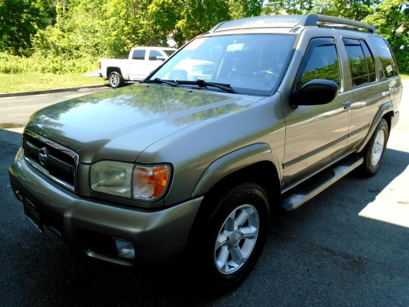Nissan Pathfinder SE 4WD 2003