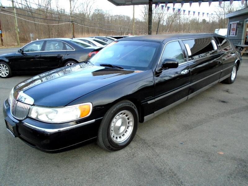 Lincoln Town Car Limousine 1998