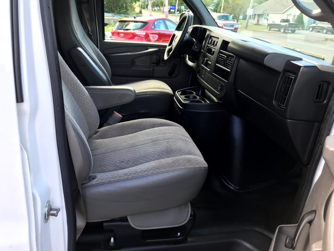 Chevrolet Express 2500 Cargo 2013