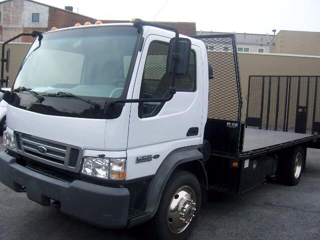 2006 Ford LCF 550 Regular Cab DRW 2WD