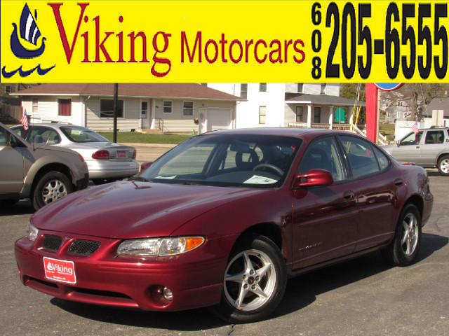 2001 Pontiac Grand Prix SE sedan