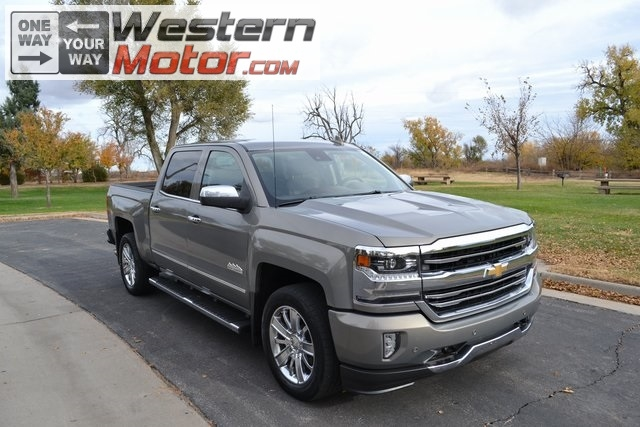 "2017 Chevrolet Silverado 1500 4WD Crew Cab 143.5"" High Country"
