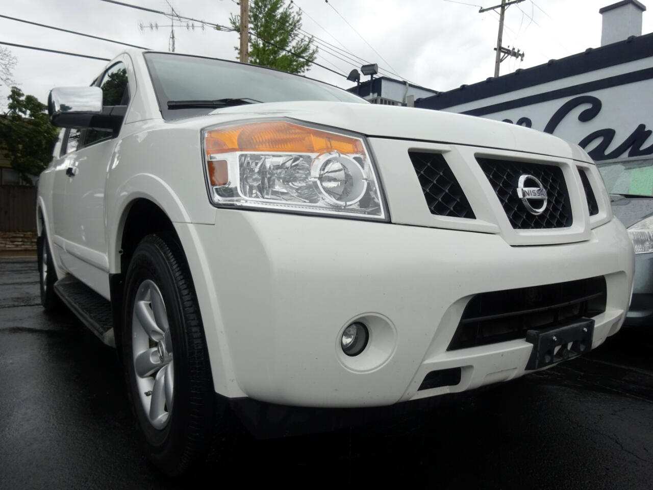 Nissan Armada 4WD 4dr SE 2010