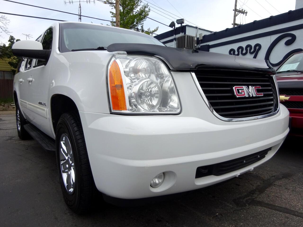 GMC Yukon XL 4WD 4dr 1500 SLT 2010