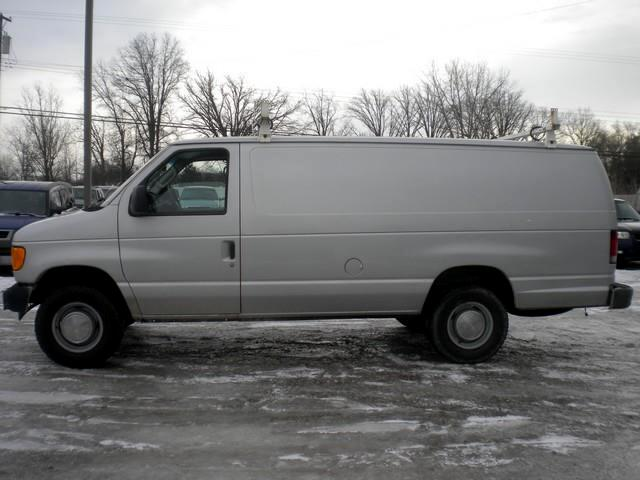 2004 Ford Econoline E350 Super Duty Extended