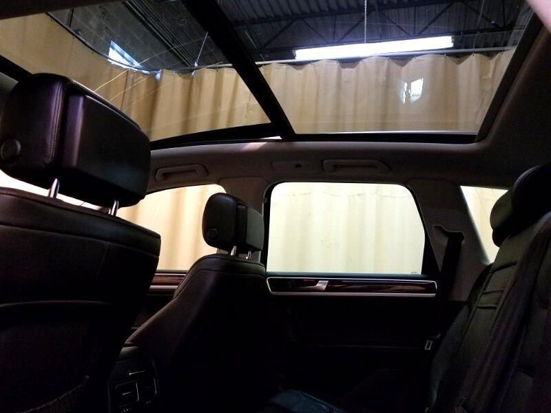 2012 Volkswagen Touareg 4dr VR6 Lux