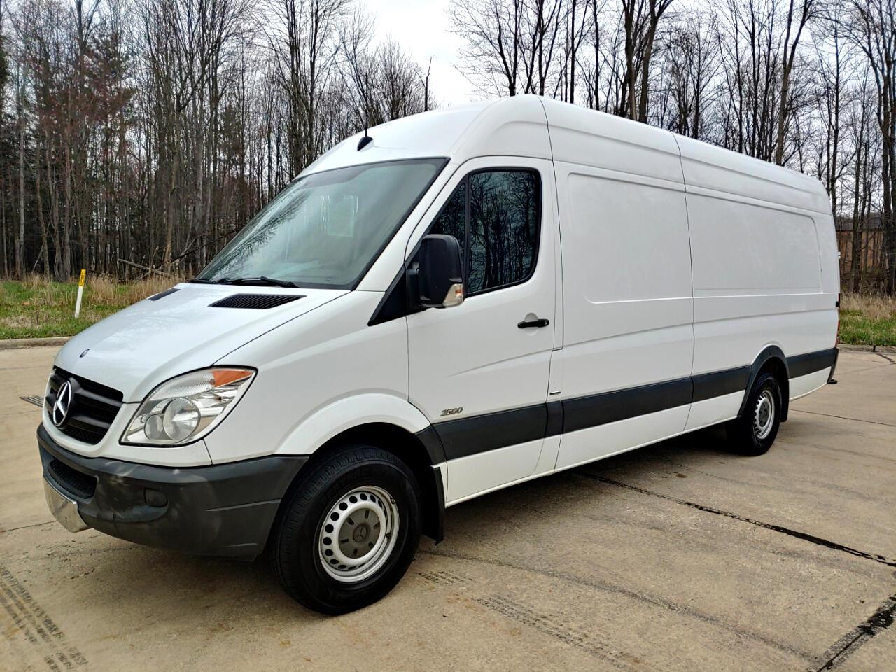 "Mercedes-Benz Sprinter Cargo Vans 2500 170"" EXT 2013"