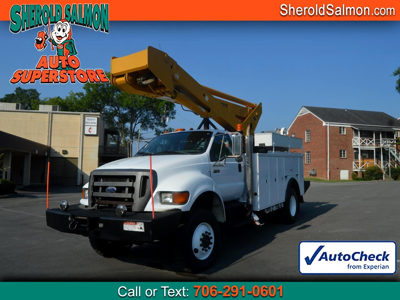 2004 Ford Super Duty F-750 Straight Frame Reg Cab XLT