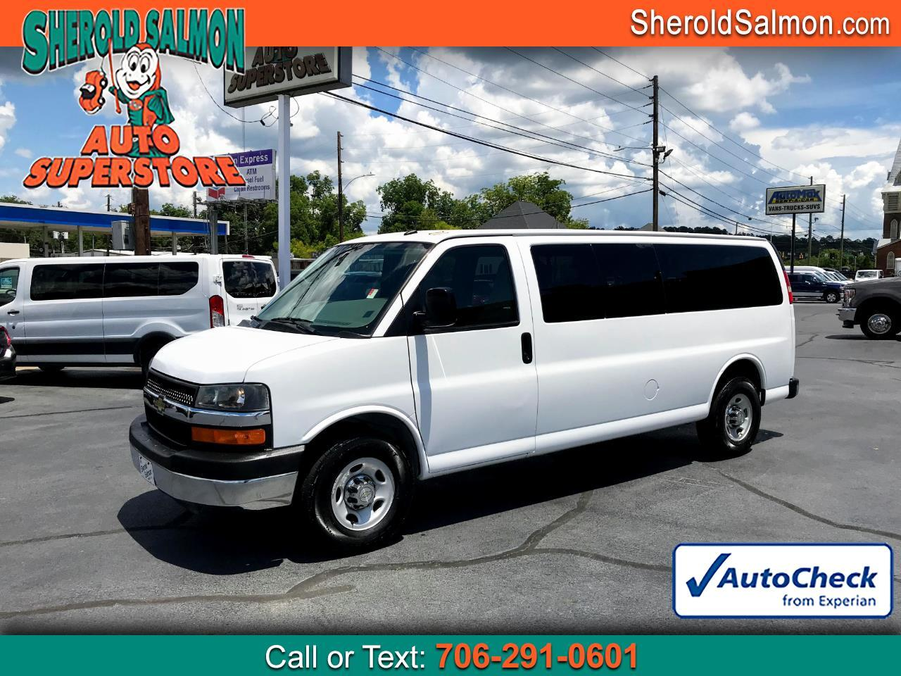 "Chevrolet Express Passenger RWD 3500 155"" LT w/1LT 2015"