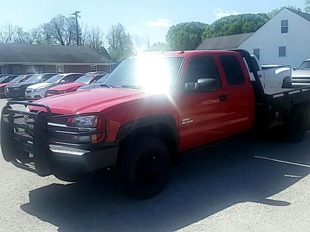 2004 Chevrolet Silverado 3500 Work Truck Ext. Cab 4WD
