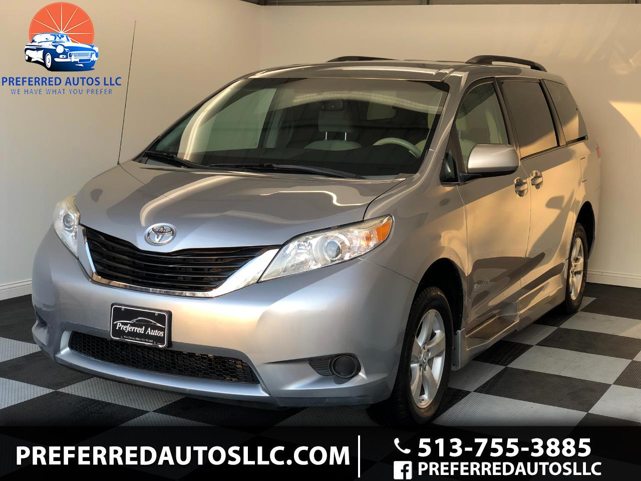 Toyota Sienna LE Mobility Access 7-Pass V6 2012