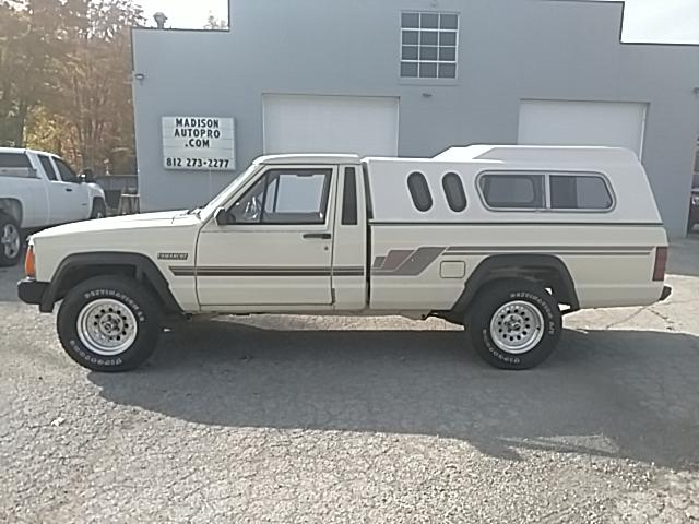 1986 Jeep Comanche Custom 2WD
