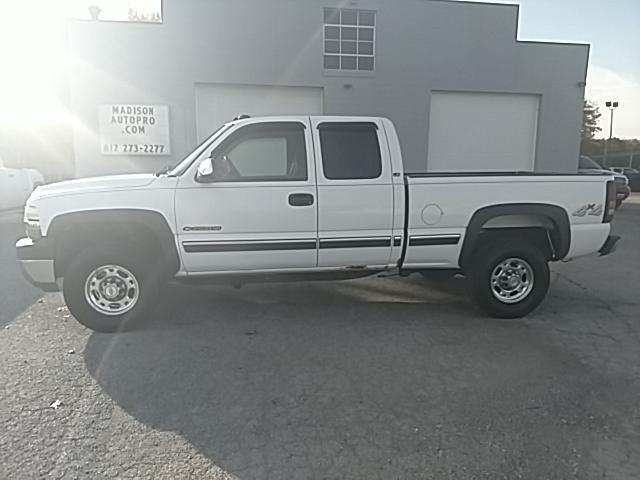 2002 Chevrolet Silverado 2500HD LS Ext. Cab Short Bed 4WD