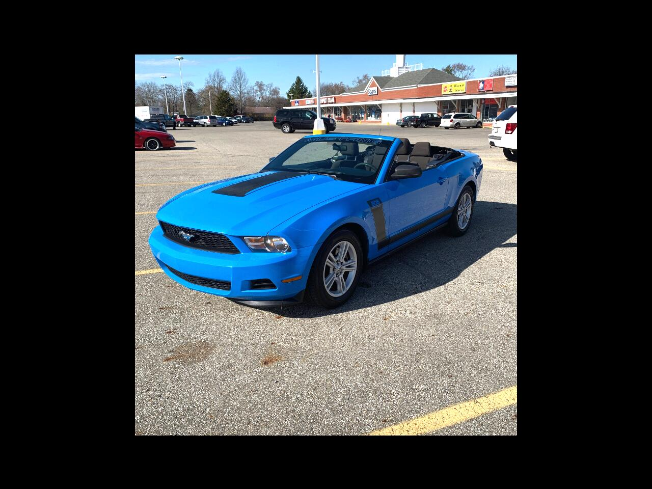 Ford Mustang V6 Convertible 2012