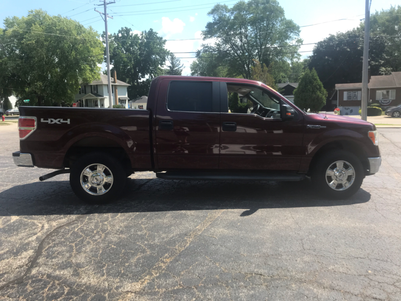 Ford F-150 Base 4WD 2010