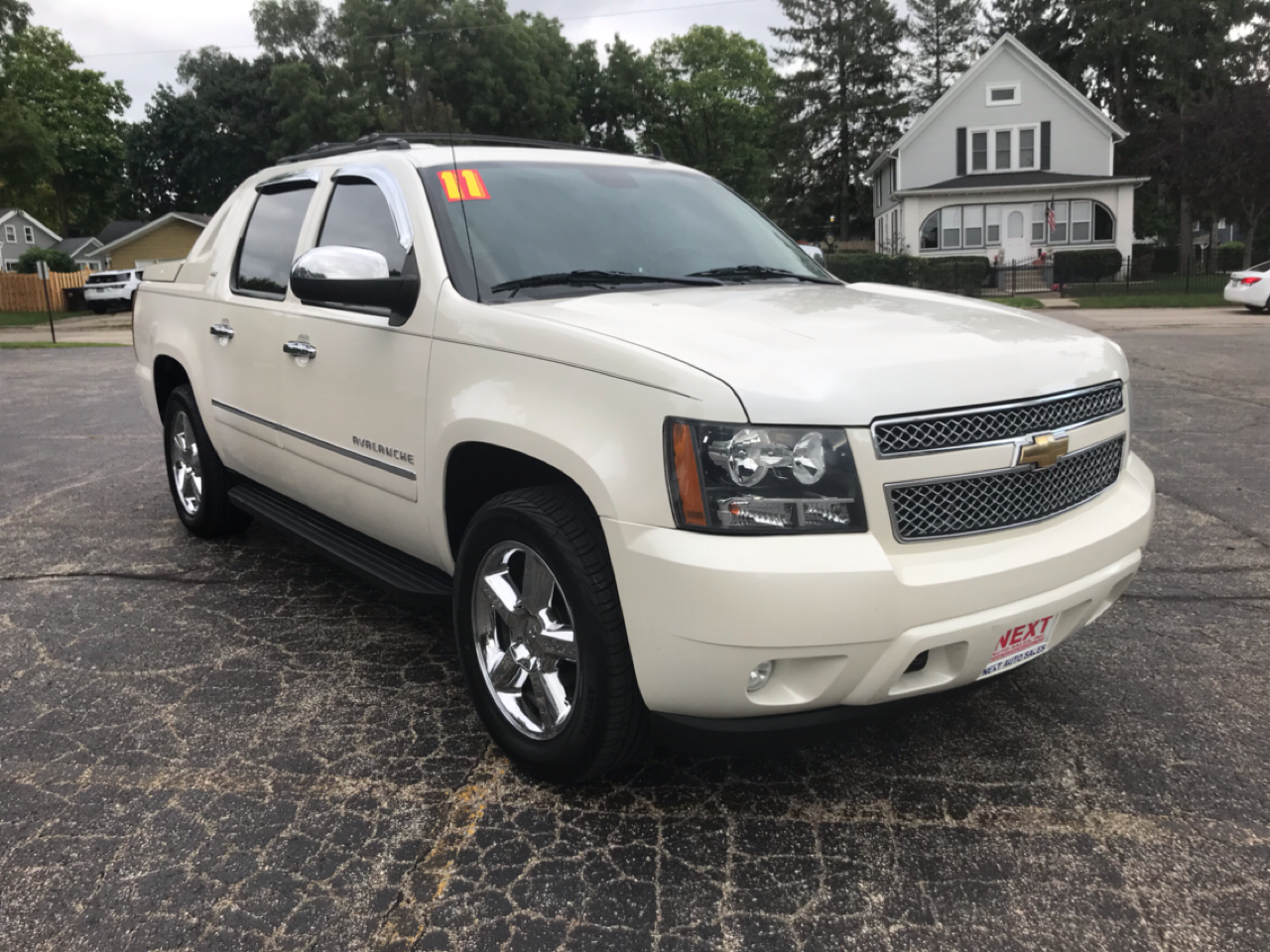 2011 Chevrolet Avalanche 4WD Crew Cab 130