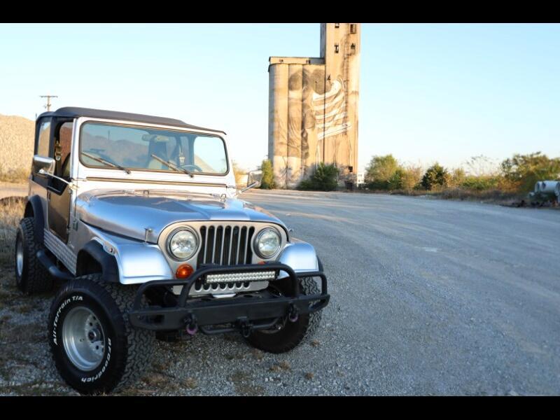 Jeep CJ-7  1985