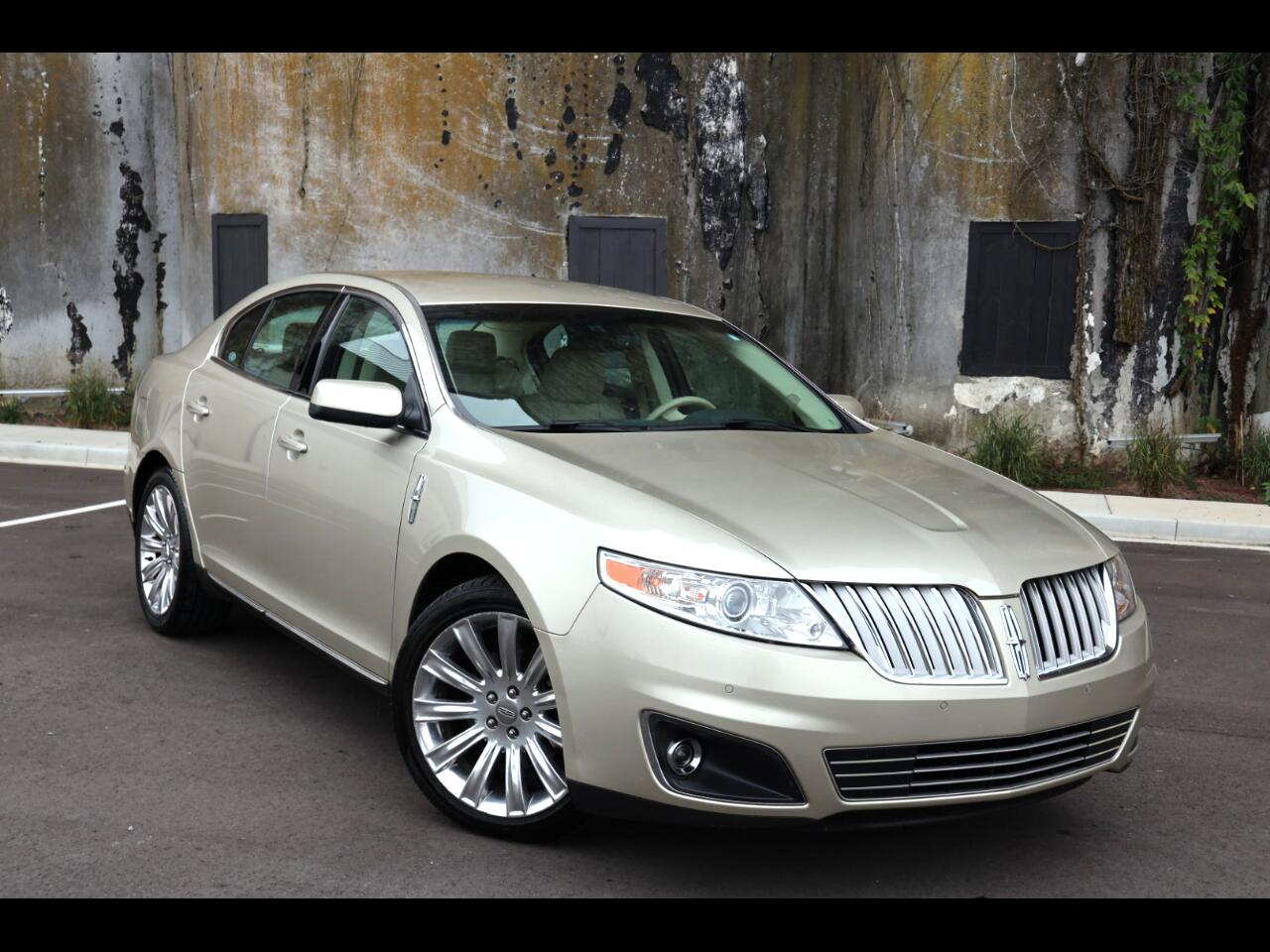 Lincoln MKS 4dr Sdn 3.7L FWD 2011