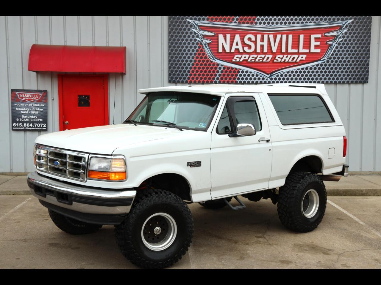 """Ford Bronco 105"""" WB XLT 1995"""
