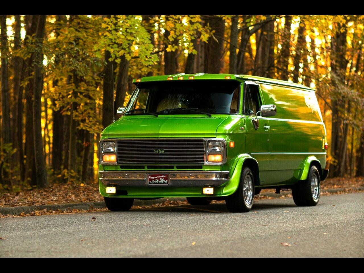 "Chevrolet Chevy Van G20 110"" WB 1991"