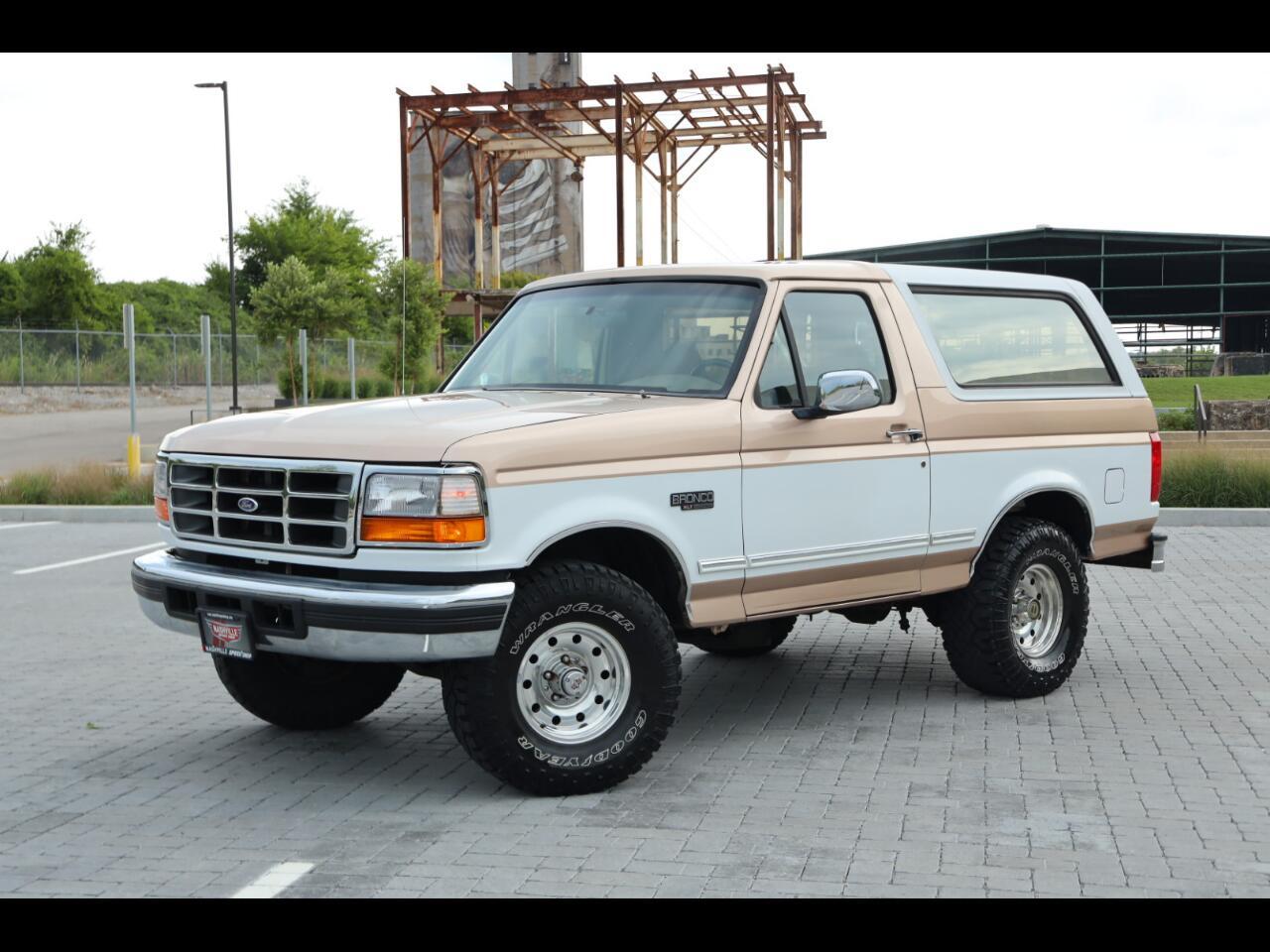 """Ford Bronco 105"""" WB XLT 1996"""