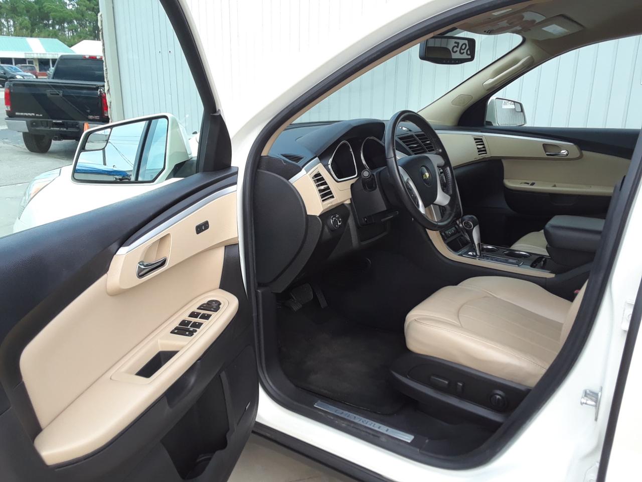 2011 Chevrolet Traverse FWD 4dr LTZ