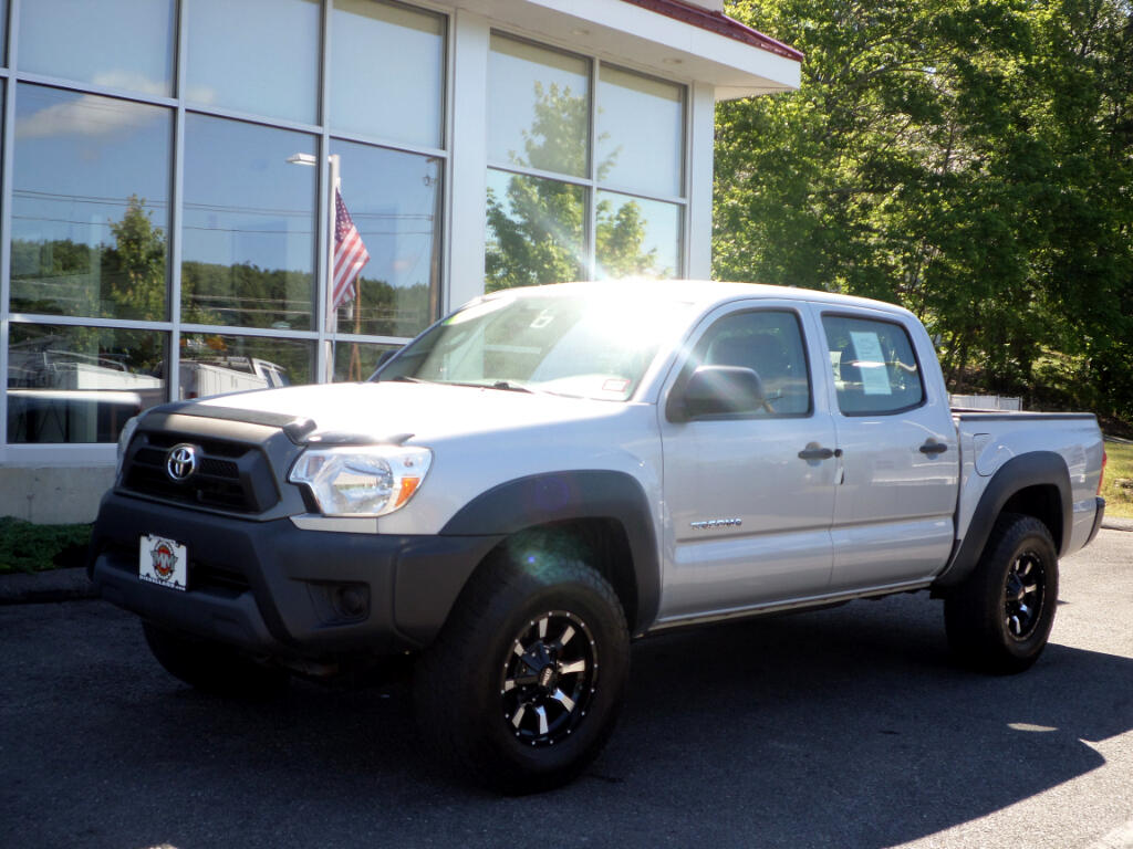 2012 Toyota Tacoma DOUBLE CAB 4WD NITTO TIRES AND MOTO METAL WHEELS!!