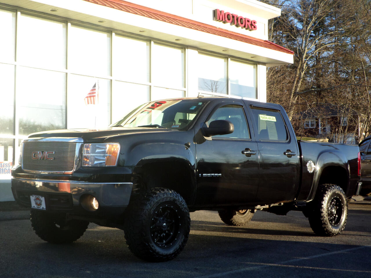 2007 GMC Sierra 1500 CREW CAB SHORT BED 6 INCH LIFT ON FUEL WHEELS