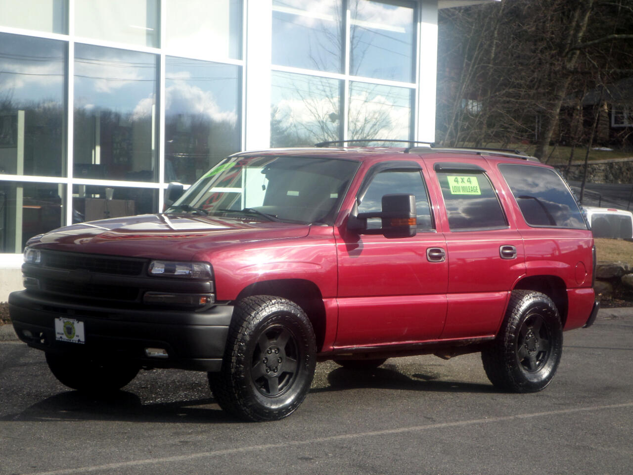 2004 Chevrolet Tahoe LS 4WD 3RD ROW SEAT LOW MILES