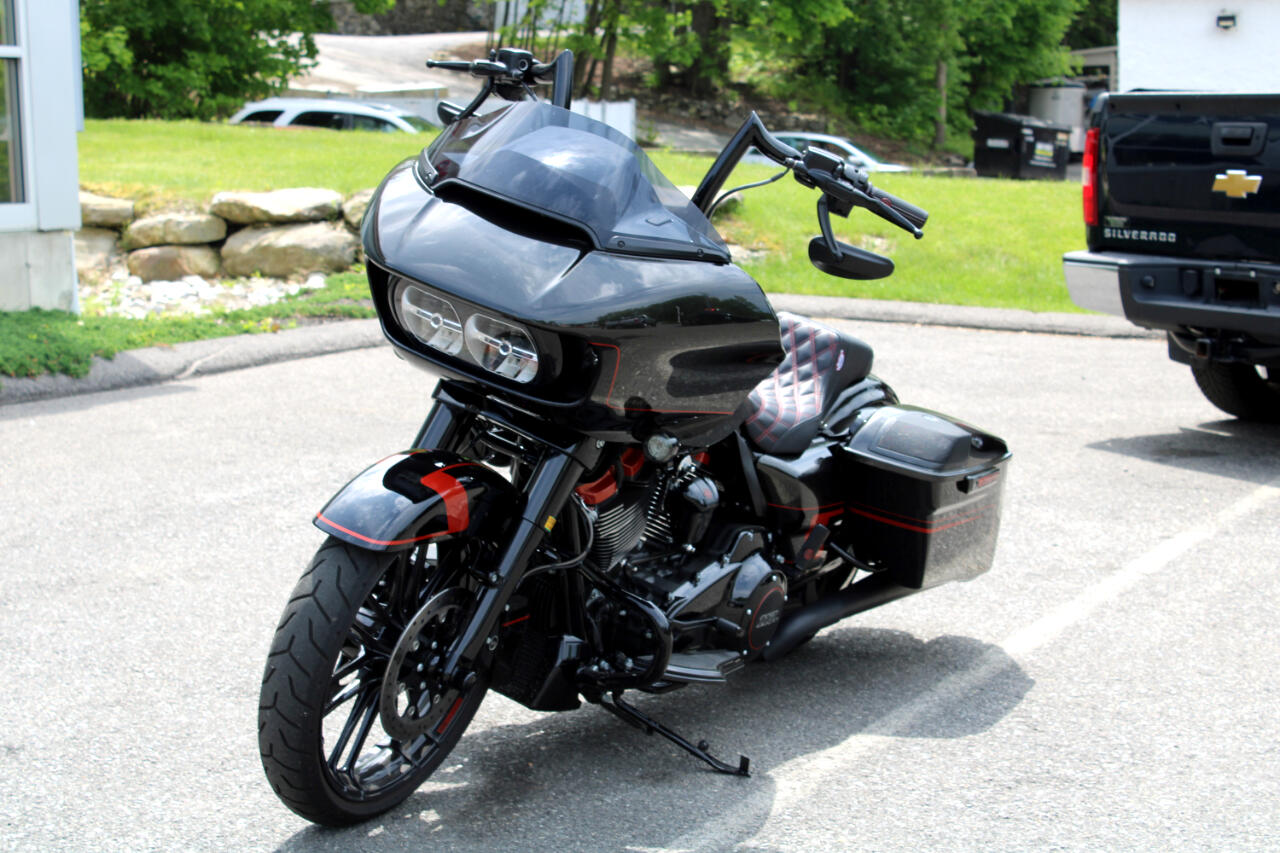 2018 Harley-Davidson FLTRXS ROADGLIDE CVO 117 INCH MOTOR THOUSANDS IN EXTRAS