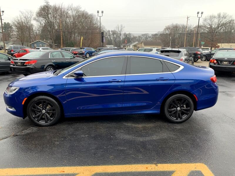 2015 Chrysler 200 4dr Sdn Limited