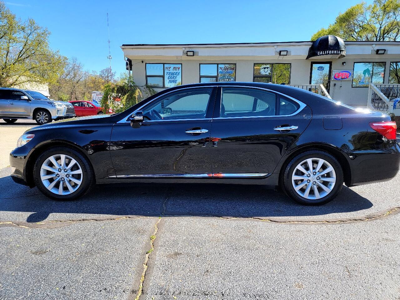 Lexus LS 460 Luxury Sedan AWD 2012