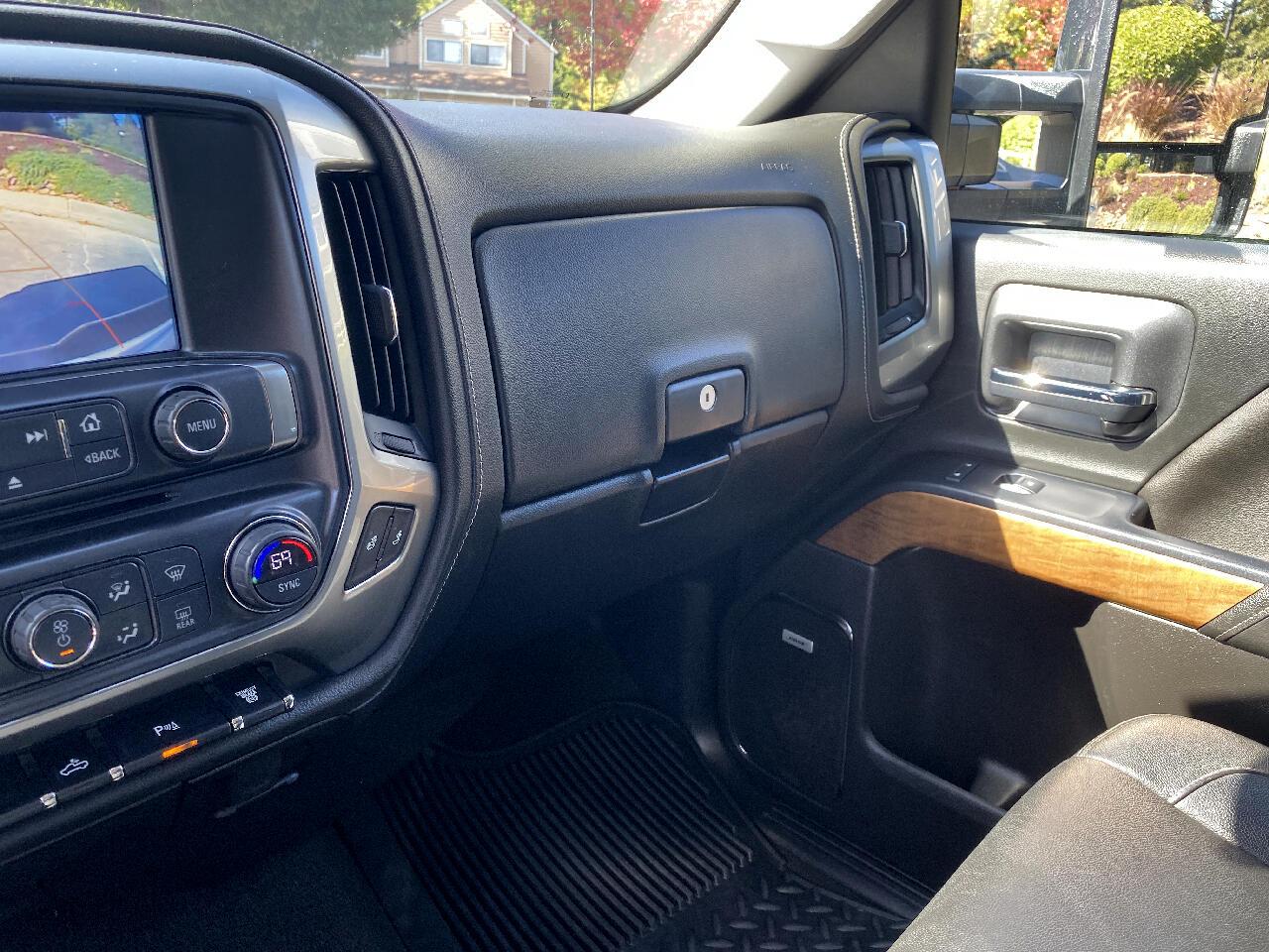 2018 Chevrolet Silverado 2500HD LTZ Crew Cab Short Box 4WD