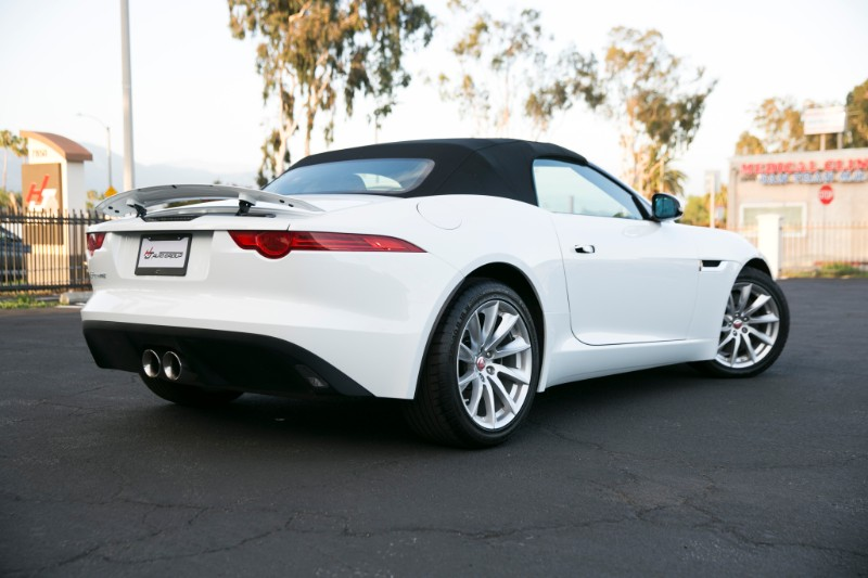 2017 Jaguar F-Type Premium Convertible 8A