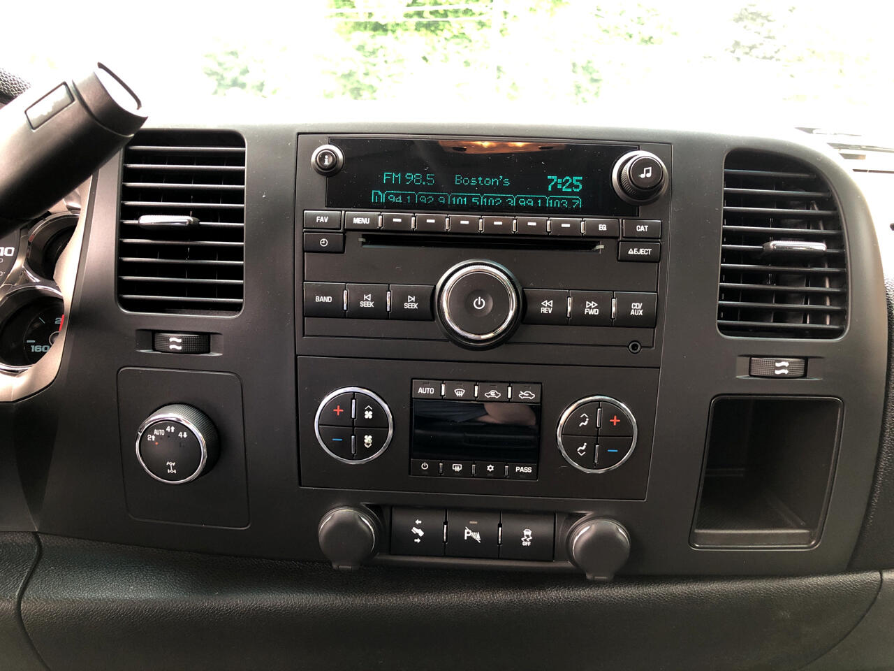 2012 Chevrolet Silverado 1500 Z71 Ext. Cab Short Bed 4WD
